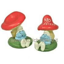 Bomboniera Puffo sotto fungo con confetti e bigliettino
